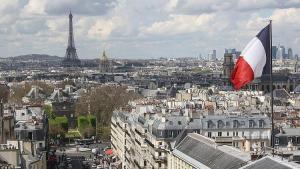 """Fransız çiftçilerden """"yüksek fiyattan satış"""" protestosu"""