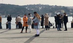 Hafta sonu kısıtlamasında Ortaköy'de dikkat çeken kalabalık