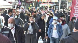 İki gün önce mutasyon vakasının görüldüğü şehirde şok görüntüler: Sokaklar hıncahınç