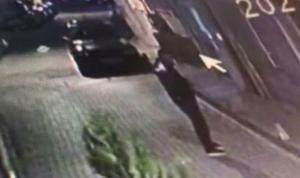 İstanbul'da kebapçı dükkanına silahlı saldırı kamerada