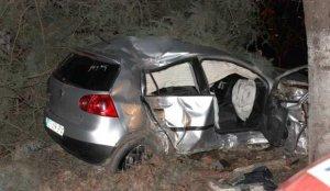 İzmir'de kamyona arkadan çarpan otomobilin sürücüsü öldü