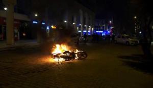 Kavgada hıncını alamadı, motosikletini yaktı