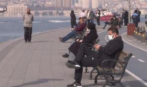 Kısıtlamaya rağmen İstanbul'da sahiller doldu taştı