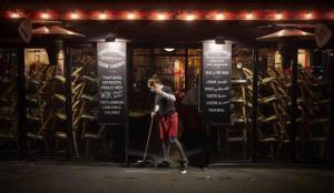 Koronavirüs tedbirleri Paris'te alkolü yasaklattı