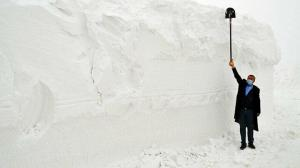Muş'ta karla mücadele: 10 bin kamyon kar taşındı