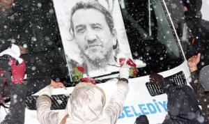Öldürülen gazeteci Nuh Köklü anılıyor
