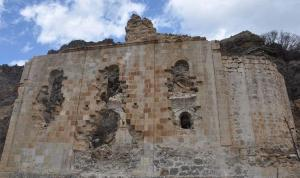 Ortodoks kilisesi yılların tahribatına ve definecilerin talanına uğradı