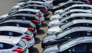 Otomobilde satışlar yüzde 61 arttı, üretim yüzde 6 düştü