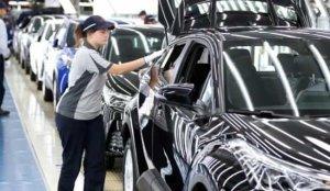 Sakarya'da ocakta üretilen 20 bin 800 araç dünya yollarında