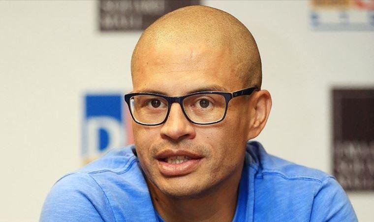 Alex de Souza'nın teknik direktörlük kariyeri başlıyor
