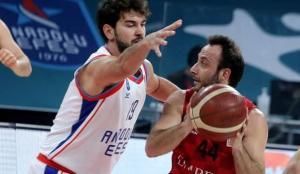 Anadolu Efes 39 sayı farkla kazandı!