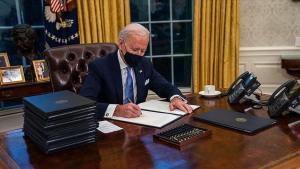 Biden, 1.9 Trilyon Dolarlık Kovid-19 Ekonomik Destek Paketini İmzaladı