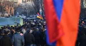 Ermenistan muhalefeti, Erivan'da parlamentonun bulunduğu caddeyi ulaşıma açma kararı aldı