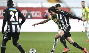 Fenerbahçe bu sezon Galatasaray ve Beşiktaş maçlarında galibiyet göremedi