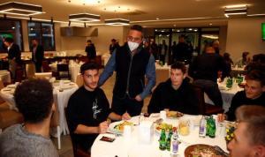 Fenerbahçe Kulübü Başkanı Ali Koç, teknik heyet ve futbolcularla buluştu