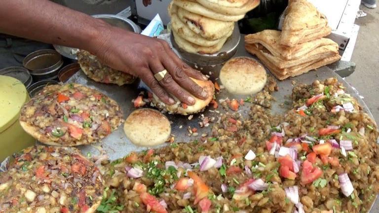 Hindistan Sokak Lezzetleri: Pizza Tarihinde Çığır Açan Hint Pizza Ustası