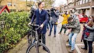 Hollanda seçimlerinde rekor sonuç: 17 parti meclise girdi