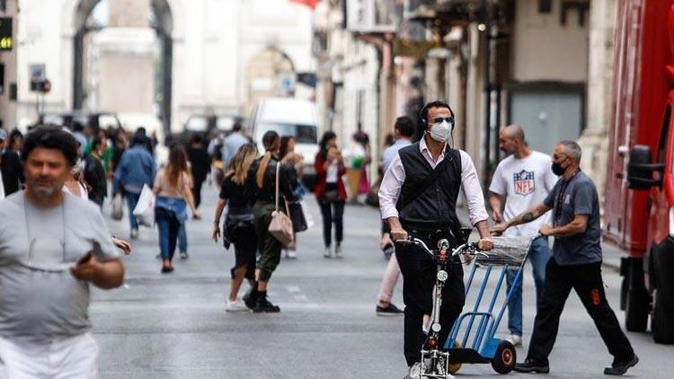 İtalya'da koronavirüs olay sayıları artmaya devam ediyor