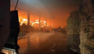 Kahramanmaraş'ta tekstil fabrikasında yangın