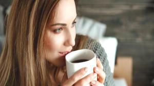 Kahve uyandıktan 1 saat sonra içilmeli