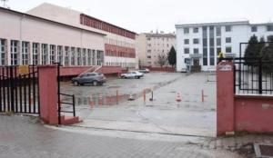 Karabük'te Kovid-19 vakası görülen okulda eğitime 10 gün ara verildi