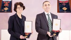 Şahin ve Türeci'ye büyük onur nişanı