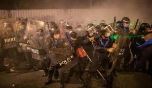 Tayland'da çıkan arbedede 33 kişi yaralandı