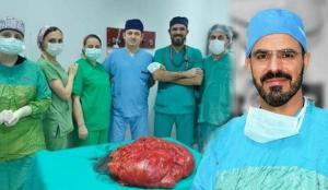 Trabzon'da bir adam 'karnım şiş' diyerek gitti, ameliyatla karnından 21 kiloluk tümör alındı!