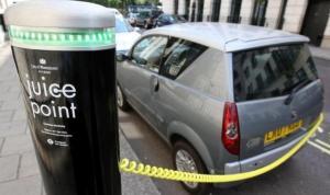 Yakıtlı araçlar, çevreyi elektrikli araçlardan 'yüzlerce kat fazla' kirletiyor