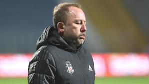 Son dakika haberleri: Beşiktaş yönetiminden Sergen Yalçın'a tepki: Oyundan çıkar hocam!