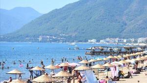 Türkiye, salgına rağmen 17 milyondan fazla turist ağırladı