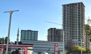 Bakan Kurum Tepki Gösterdi: Deprem Bölgesine AKP ve MHP Ortaklığıyla 26 Katlı Bina…