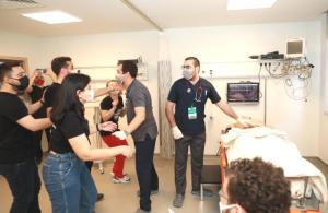 Doktor adayları Rize'de aldıkları simülasyon eğitimiyle saha koşullarına hazırlanıyor