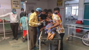 Hindistan'da en yüksek günlük koronavirüs ölümü kaydedildi