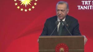 Son Dakika! Cumhurbaşkanı Erdoğan: Milletimi saat 19.19'da balkonlarında İstiklal Marşı'mızı okumaya davet ediyorum