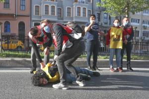 Taksim'e Çıkmak İsteyenlere İzin Yok: Yüzlerce Kişi Gözaltına Alındı