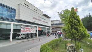 Tavuk dönerden zehirlenen 9 kişi hastaneye kaldırıldı