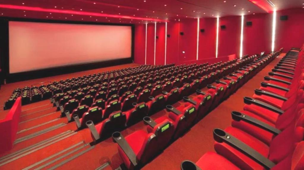20 Kasım'dan bu yana kapalı olan sinema salonları açıldı