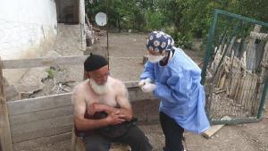 Çorum'da sağlık ekiplerinin aşı mesaisi sürüyor