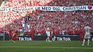 EURO 2020'de tarihi anlar! Danimarka-Belçika maçının 10. dakikasında herkes Eriksen'i alkışladı