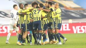 Fenerbahçe'nin iç saha ve deplasman formaları sızdırıldı! Taraftarlar yeni tasarımı beğenmedi