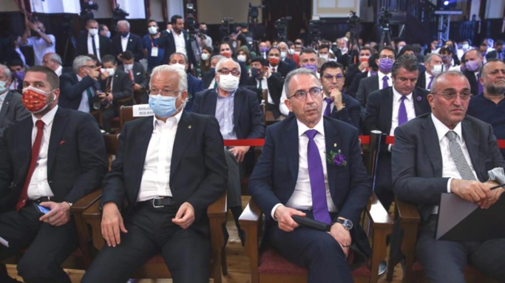 G.Saray seçiminde 16. sandık açıldıktan sonra iki başkan adayı salonu terk etti