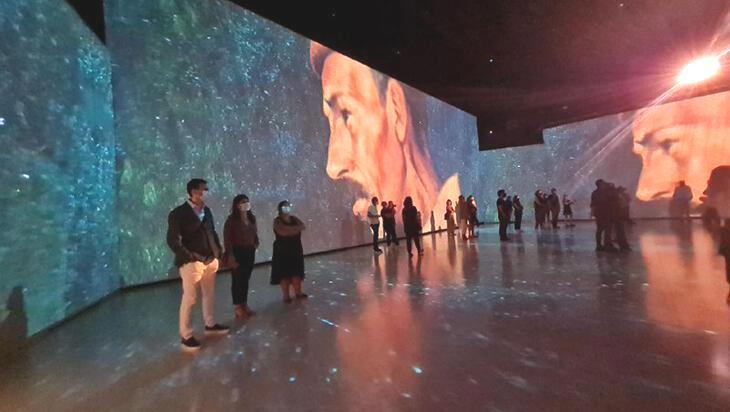 Parallel Universe Exhibition by Ouchhh sanatseverlerle buluştu