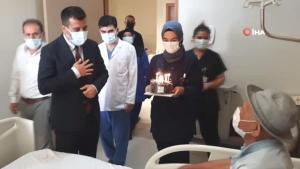 Son dakika haber | İlk doğum günü pastasını 81 yaşında hastanede kesti
