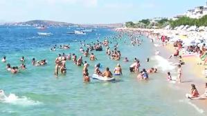 Bayramda Marmara'daki adalar tatilci akınına uğradı! Oteller doldu taştı, personellerin izinleri iptal edildi