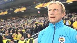 Christoph Daum'u yeniden takımın başında görmek isteyen Fenerbahçe taraftarı binlerce paylaşım yaptı