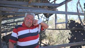Kaybettiği Eşinin Hatıraları Yangında Kül Olan Yaşlı Adam Gözyaşlarına Boğuldu