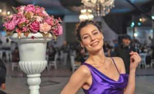 Oğuzhan Uğur'la ilişki yaşayan oyuncu Müjde Uzman'dan aşk dolu paylaşım