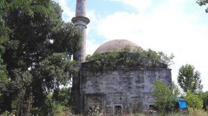 Osmanlı mirası 5,5 asırlık caminin yok olma tehlikesi