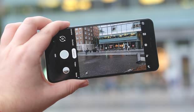 Telefondan izleniyor muyuz? Cep telefonu kamerasından izlendiğimizi nasıl anlarız? İşte detaylar…
